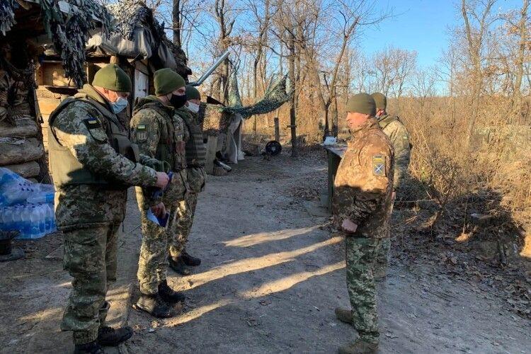 Доба в зоні ООС: вогонь російські окупанти відкривали 6 разів. Українські воїни відповіли