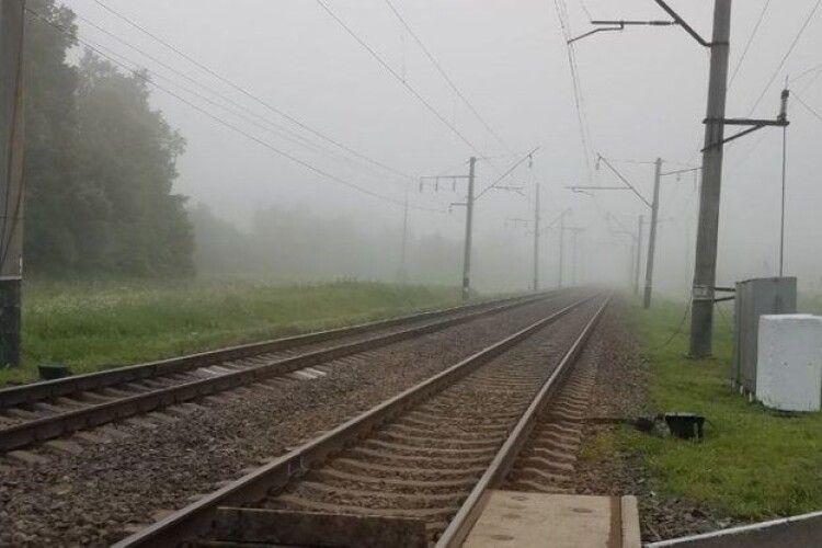 У Рівному під потягом загинула людина