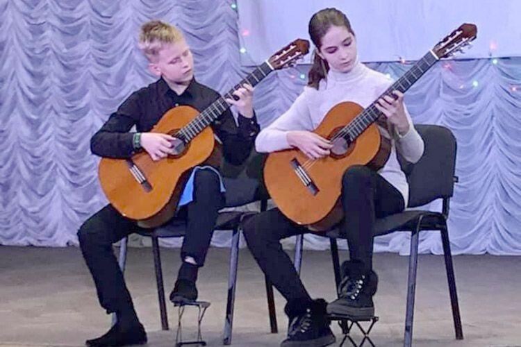 Уже вдруге гітара покликала на міжнародний конкурс у Маневичі