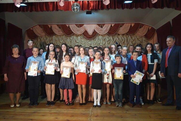 У Заболоттівській громаді відзначили кращих учнів та педагогів