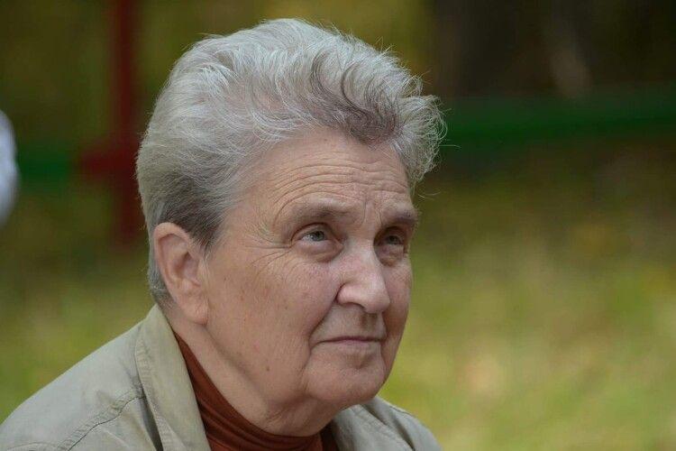 «Не можна все життя їсти одну картоплю»: найстарша викладачка ВНУ розповіла, як вчить студентів дистанційно