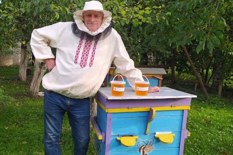 На Горохівщині колишній поліцейський перекваліфікувався на бджоляра