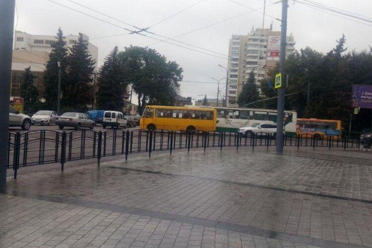 У центрі Луцька затор через ДТП (Фото)