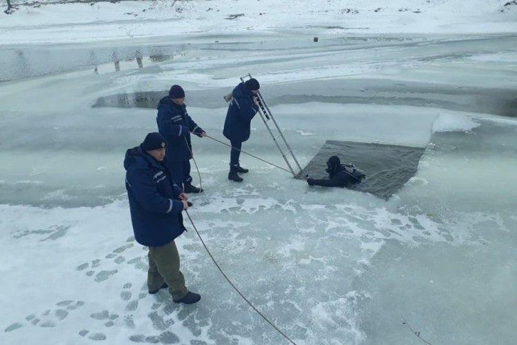 Луцьк: тривають пошукові роботи людини, яка потонула на річці Стир