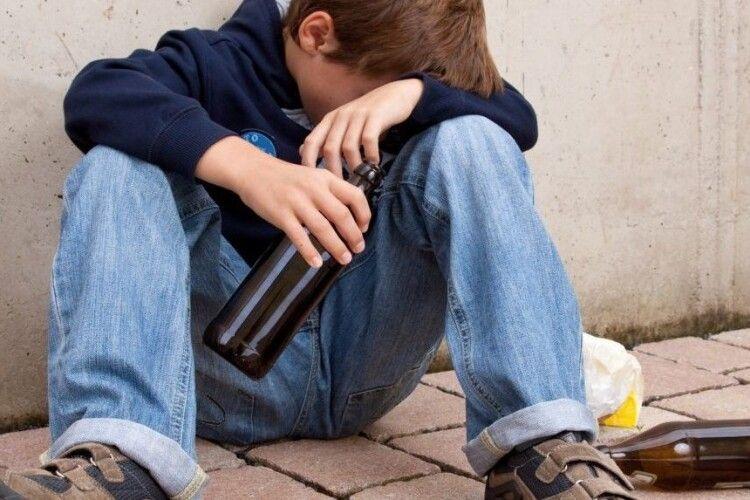 У Луцьку підлітка шпиталізували з алкгольним отруєнням