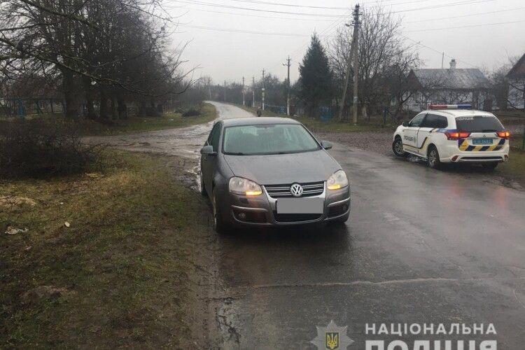 У селі на Рівненщині 10-річна дівчинка потрапила під колеса авто