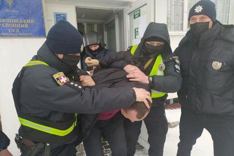 На Любешівщині провели тактико-спеціальні навчання у суді