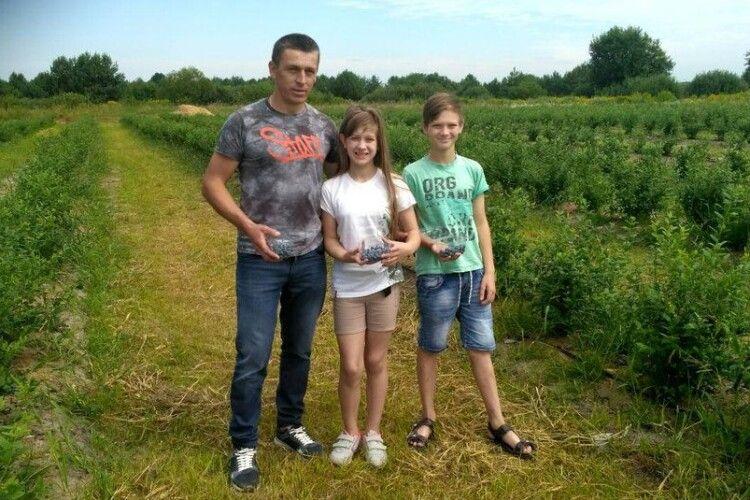 На Ківерцівщині учасник АТО вирощує лохину:у справу вклав уже майже 270 тисяч гривень