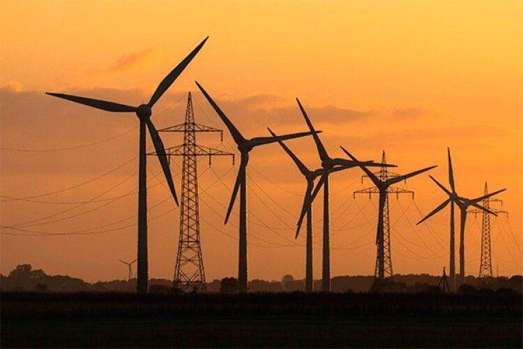 У землі, на якій збудують вітрову електростанцію, з'явився власник
