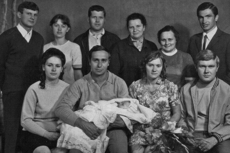 «Уже місяць яживу без тата»: у відомого музиканта з Луцька помер батько