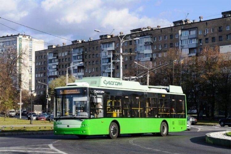 У Харкові будуть їздити 100 луцьких тролейбусів