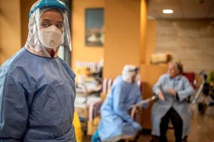 У Великій Британії кількість загиблих від коронавірусу наближається до позначки 10 тисяч осіб