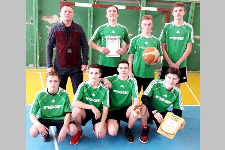 Серед шкільних команд Турійської громади відбулася спартакіада з баскетболу