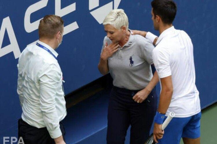 «Мені сумно, я спустошений». Джокович попросив вибачення за удар м'ячем у суддю на US Open
