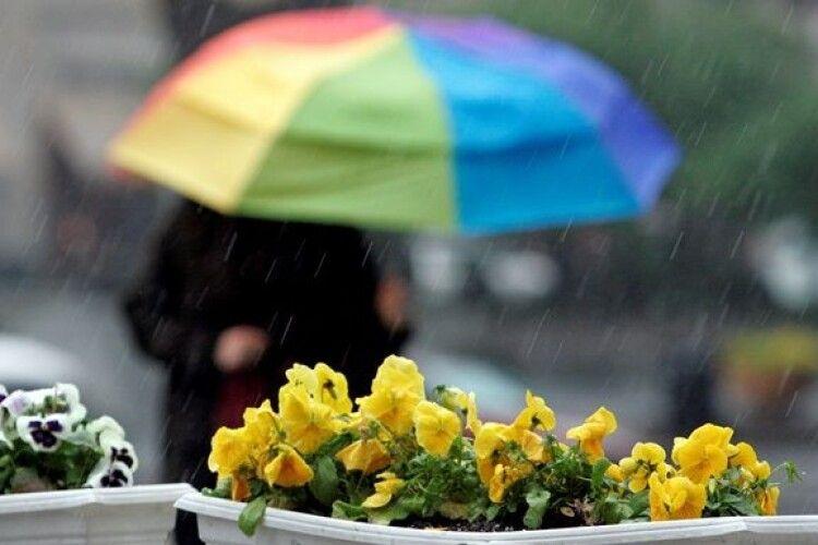 На Західну Україну насуваються зливи