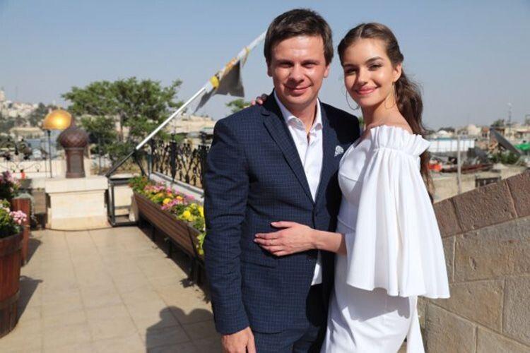 Дмитро Комаров запропонував руку  і серце коханій… у небі
