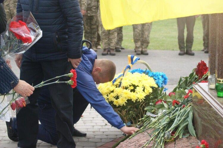 На Покрову у Нововолинську зустрінуться із матерями та дружинами загиблих Героїв