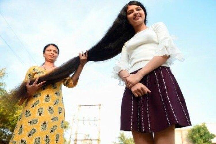 18-річна володарка найдовшого волосся двічі потрапила в Книгу рекордів Гіннеса
