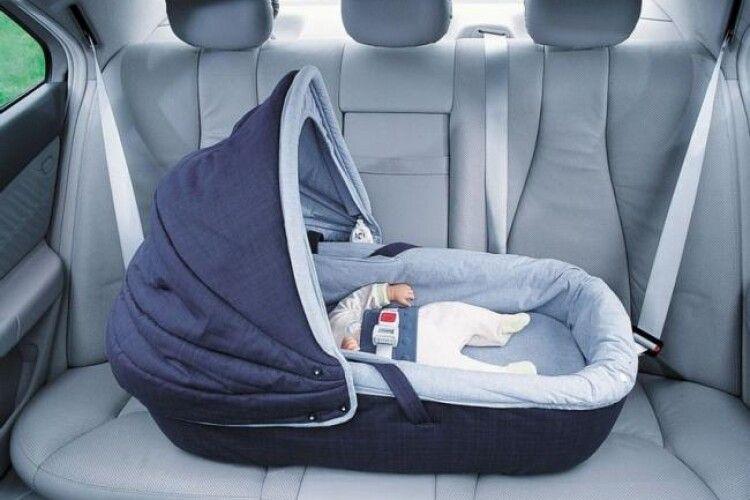 У Рівному жінка забула в таксі... немовля