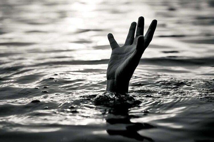 На Рівненщині у ставку втопилася 6-річна дитина