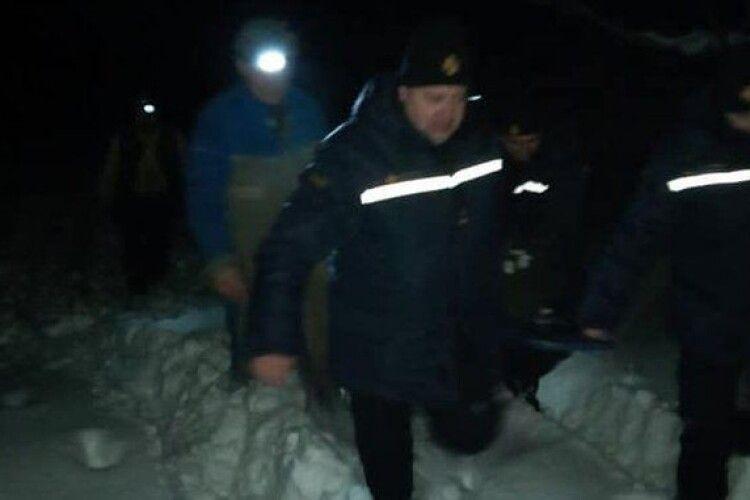 На Рівненщині рятувальники несли пацієнтку пів кілометра до швидкої