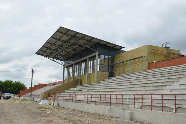У Ковелі наближається до завершення перший етап реконструкції стадіону «Локомотив»