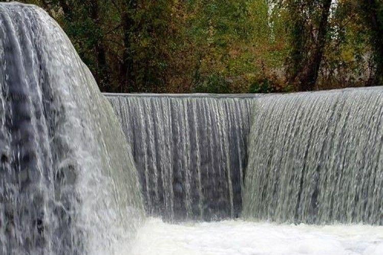 В Україні є водоспад, який не позначений на жодній туристичній карті (Відео)