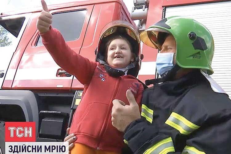 9-річна волинянка Фаїнка стала справжнім вогнеборцем! (Фото, відео)