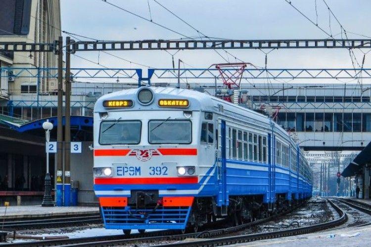 Українські електрички стануть довшими