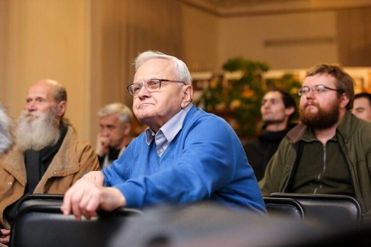 Ветеран Волинського радіо Василь Федчук: «А чому хочуть скоротити мовлення? Мало їм зарплати у 200 тисяч гривень?»