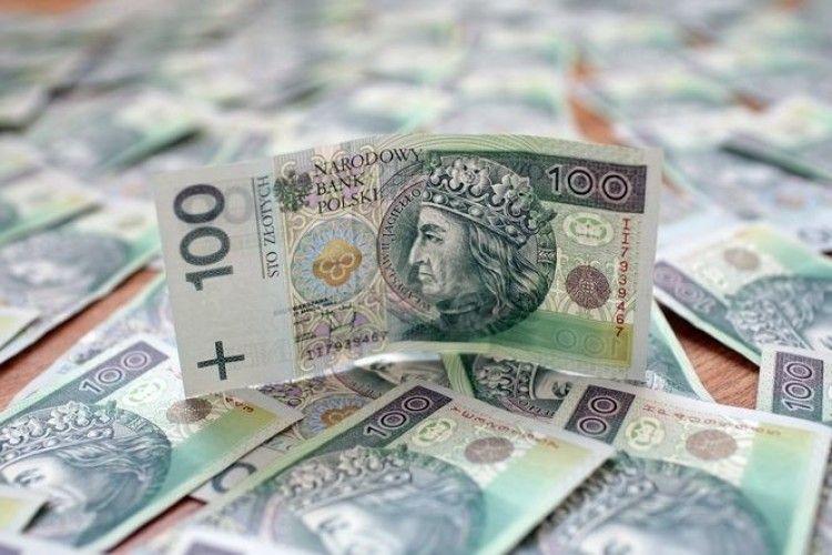 Із хати волинянина винесли понад 75 000 гривень