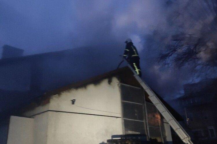 Вигоріло вщент: показали наслідки пожежі у кафе на Волині (Відео)