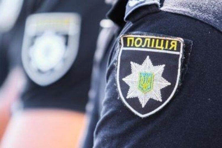 Не обійшлося без спецпризначенців: на Волині крадії лісу не пускали на обшук поліцейських
