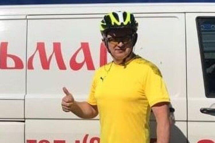 Підприємець зі Світязя проїхав 300 кілометрів на велосипеді