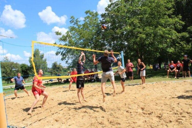 Новолинська команда стала переможцем змагань з пляжного волейболу
