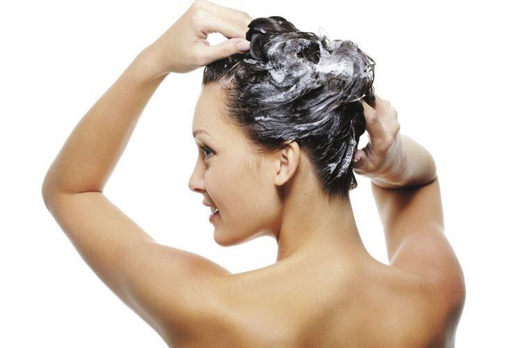 Експерти визначили найпоширеніші помилки під час миття голови