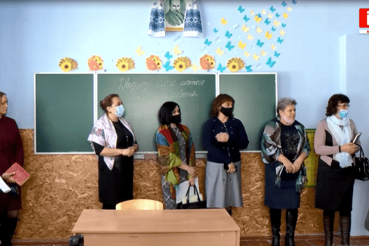 На дванадцять директорів шкіл Рівненщини відкрили кримінальні провадження