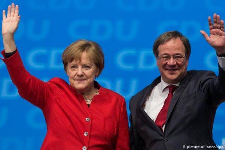 У Німеччині наступник Меркель закликав до жорсткого локдауну
