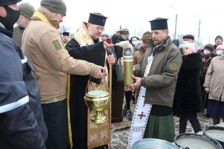 Заклали капсулу першого в Україні храму на честь Героїв і перемоги (Фото)