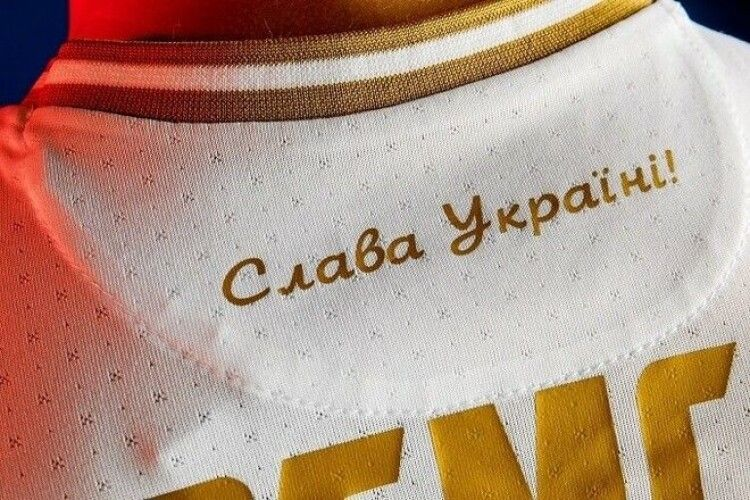 У Росії хочуть саджати в тюрму за українську футболку