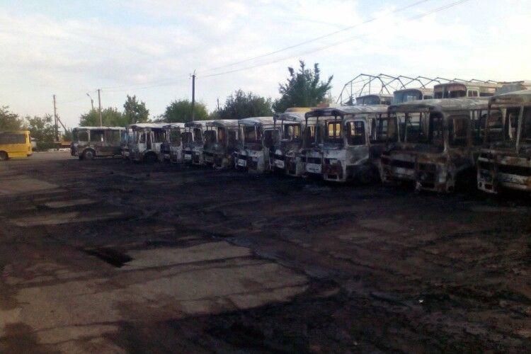12 автобусів спалили вночі в Черкаській області