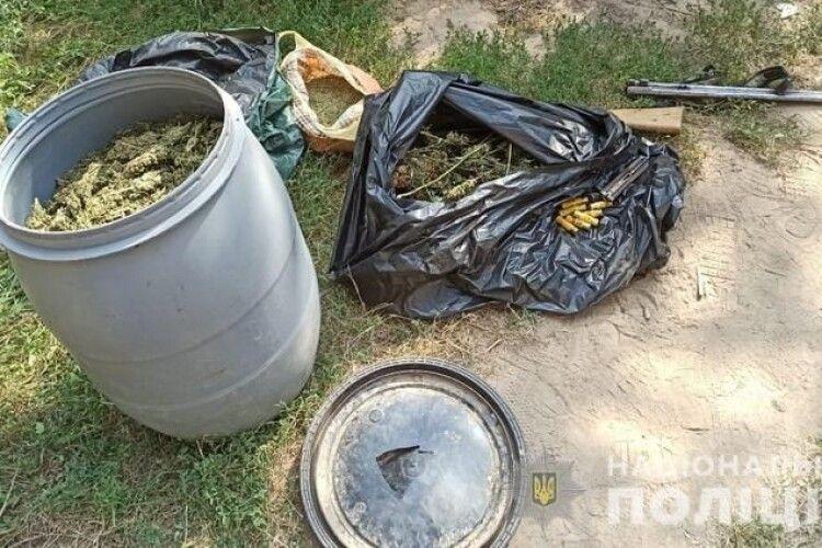 У наркоділків вилучили канабісу на 15 мільйонів гривень