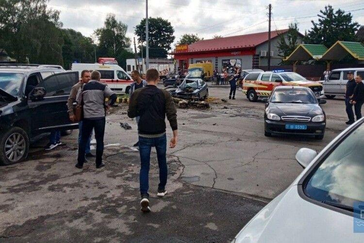 У Володимирі в ДТП одна з автівок розтрощена вщент (Фото, Відео)