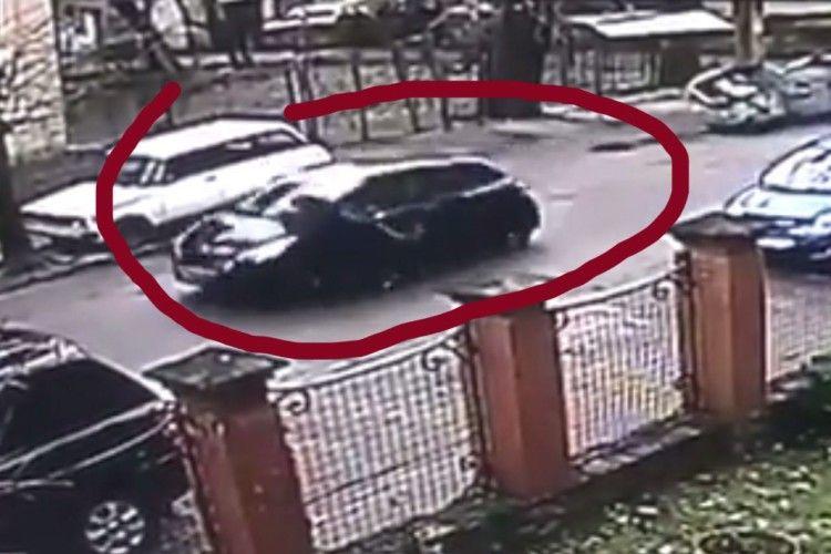 У Львові водійка з ознаками наркотичного сп'яніння збила патрульного і півкілометра провезла його на капоті (Відео)