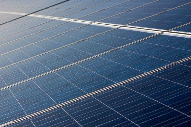 В Нідерландах будують велетенську сонячну електростанцію на воді
