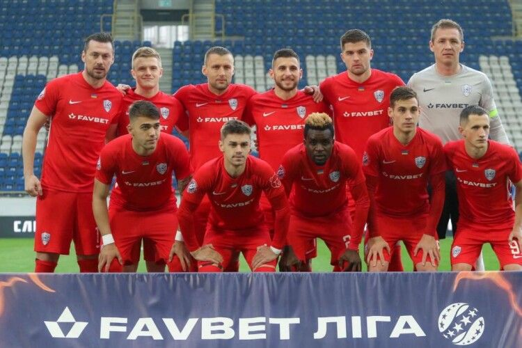Нечуваний скандал в УПЛ: гравці ФК «Минай» зачинилися у роздягальні НСК «Олімпійський» і відмовляються виходити на гру з «Шахтарем»