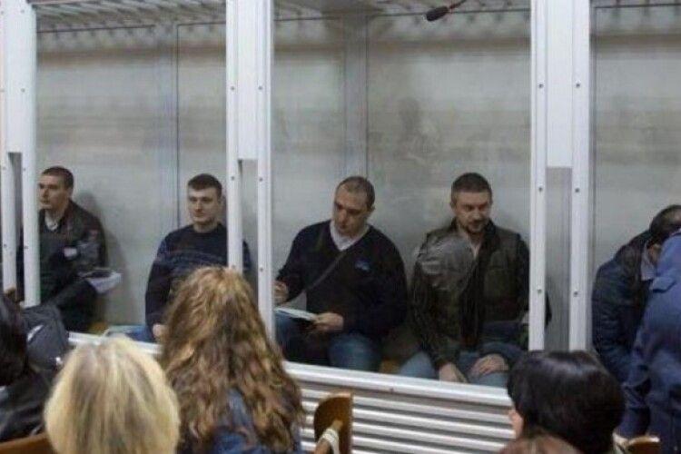 Суд оголосив у міжнародний розшук трьох беркутівців, яких Україна передала бойовикам