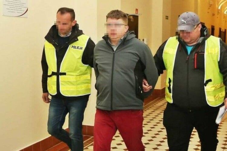 У Польщі таксист навмисне збив і переїхав українця