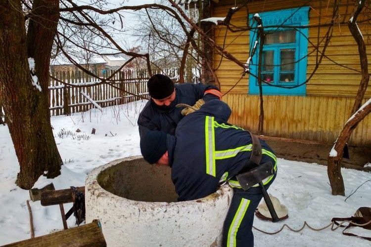 На Рівненщині чоловік втопився в колодязі (Фото)