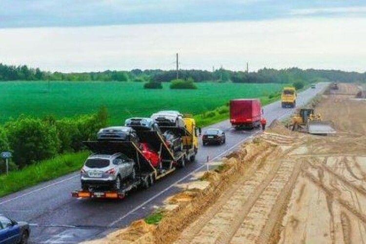Міжнародну автотрасу Київ-Ковель-Ягодин реконструюють та розширять